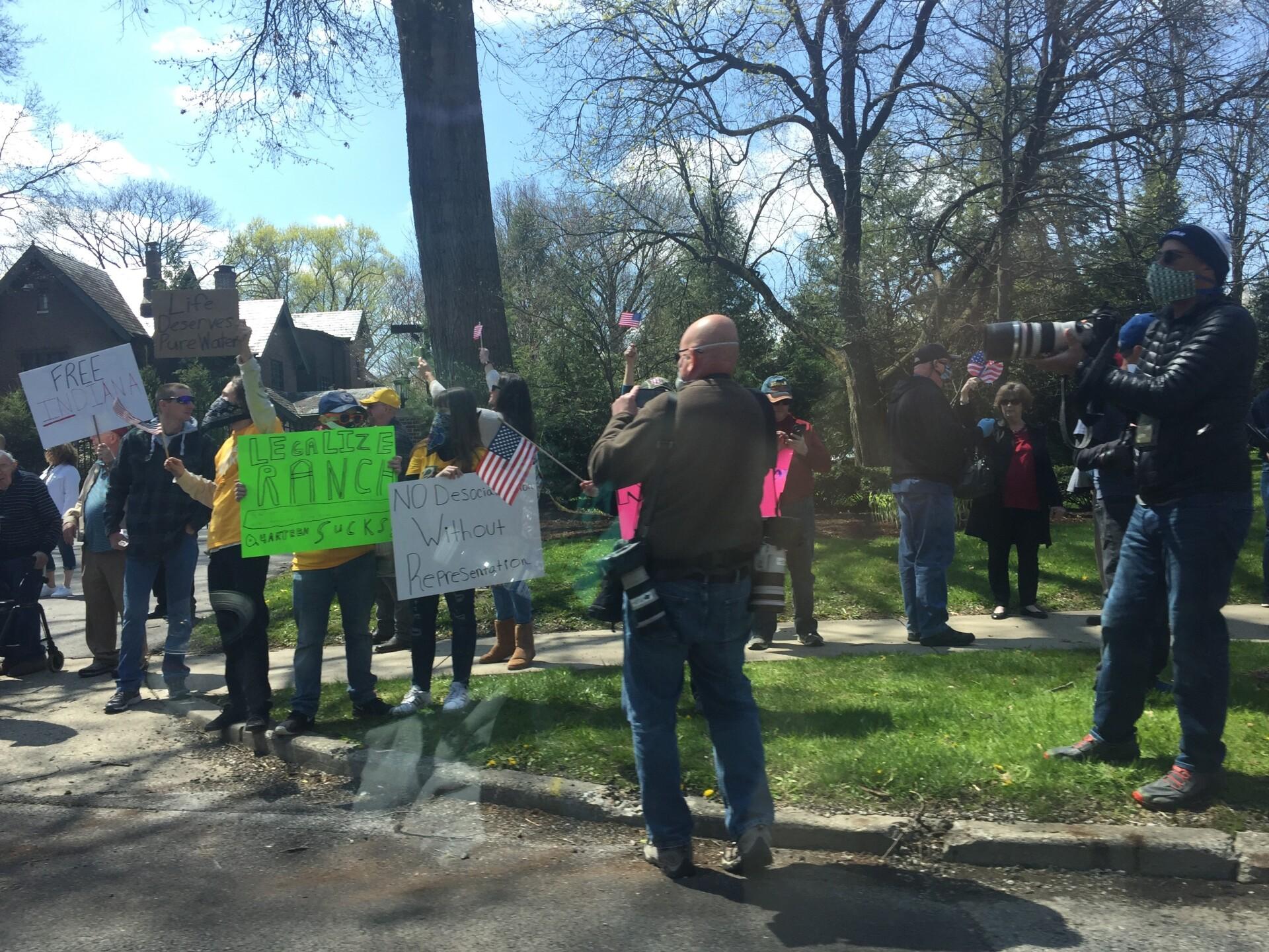 1gov protest 3.jpg