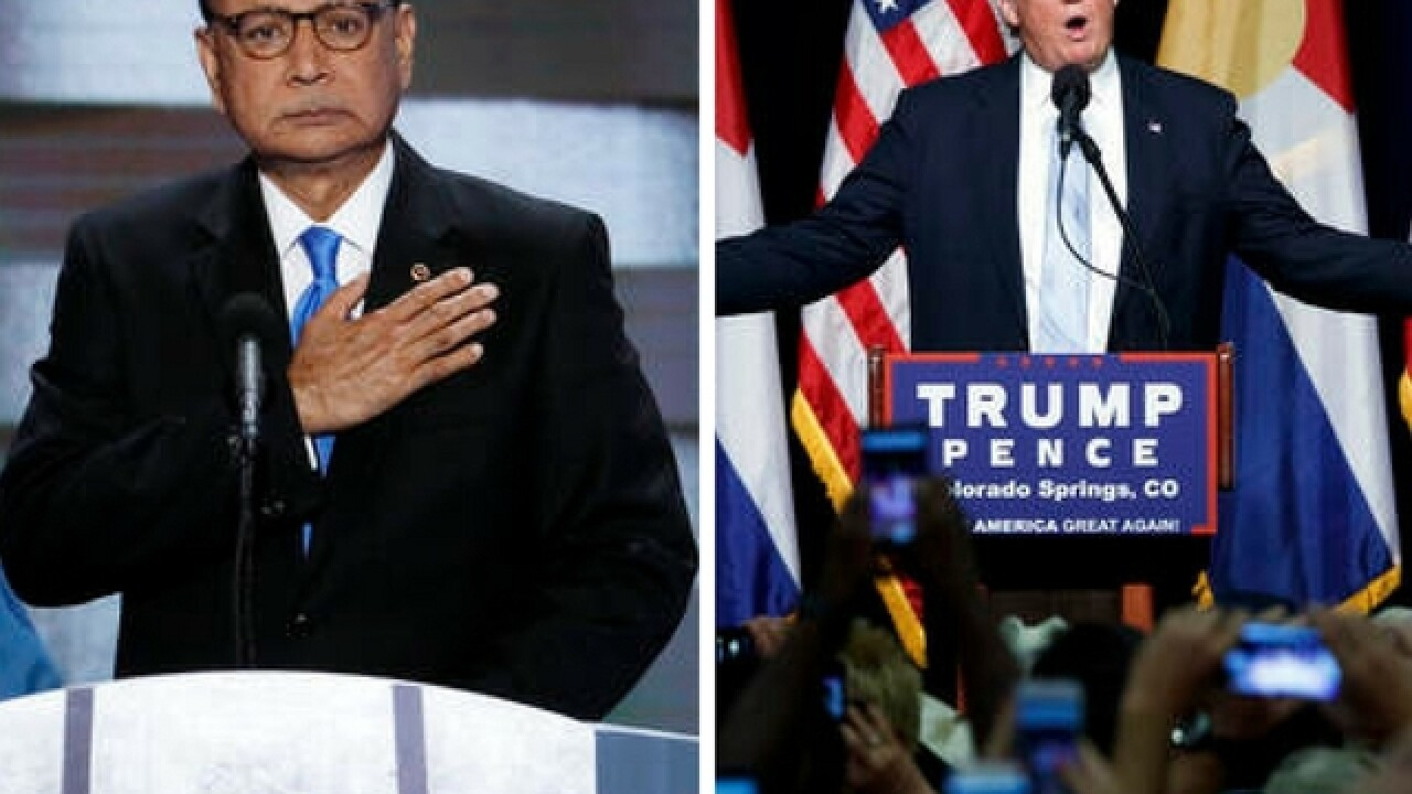 Gold Star families demand Donald Trump apologize to Khans