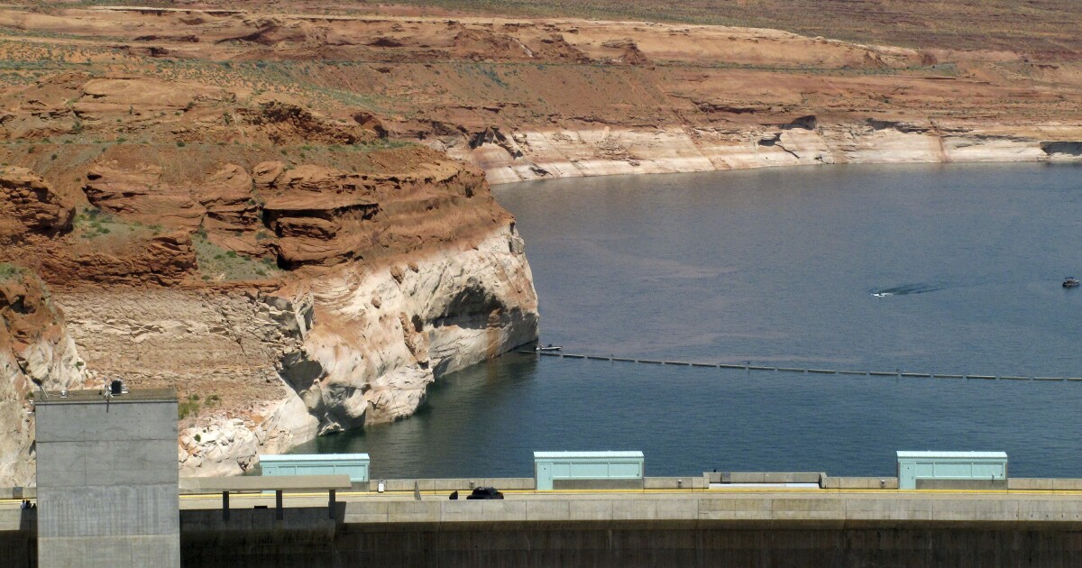 Page teen drowns on high school trip to Lake Powell