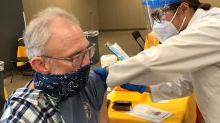 hoa vaccinating (2).jpg