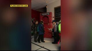 Polar Express brings holiday fun to Plains school