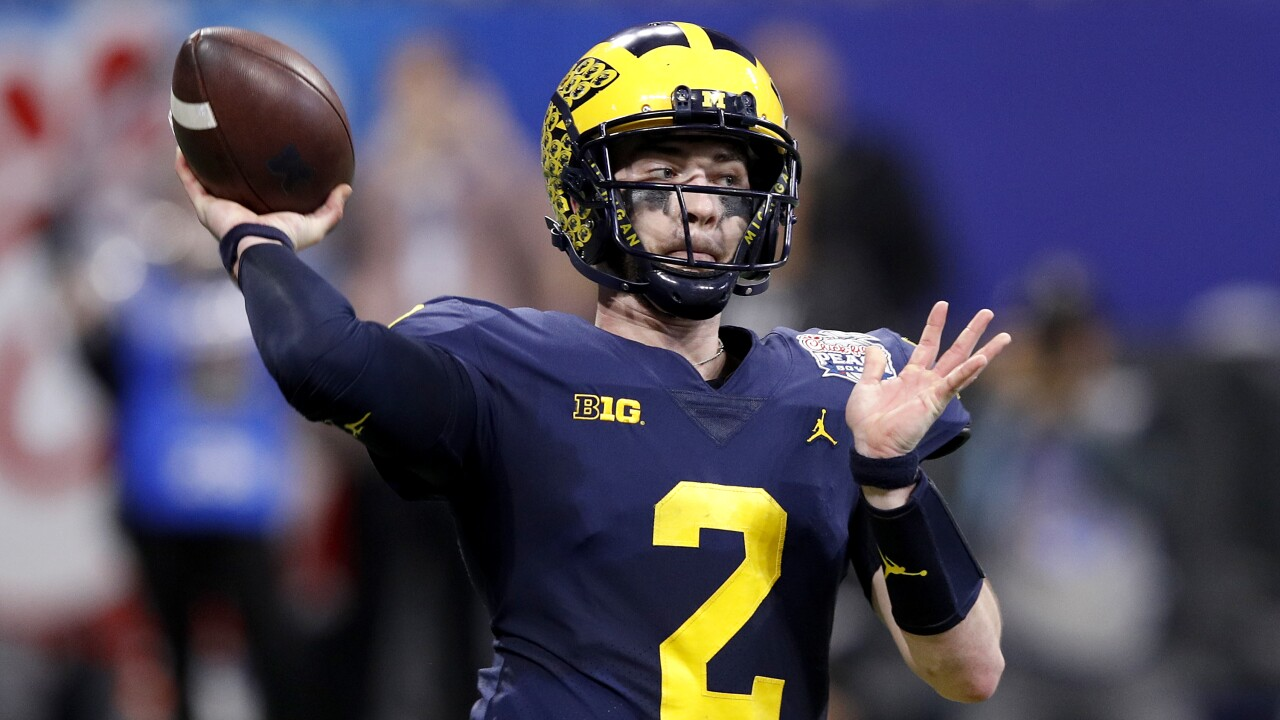 outlet store 65c05 11b5e Shea Patterson leads No. 7 Michigan over Middle Tennessee in ...