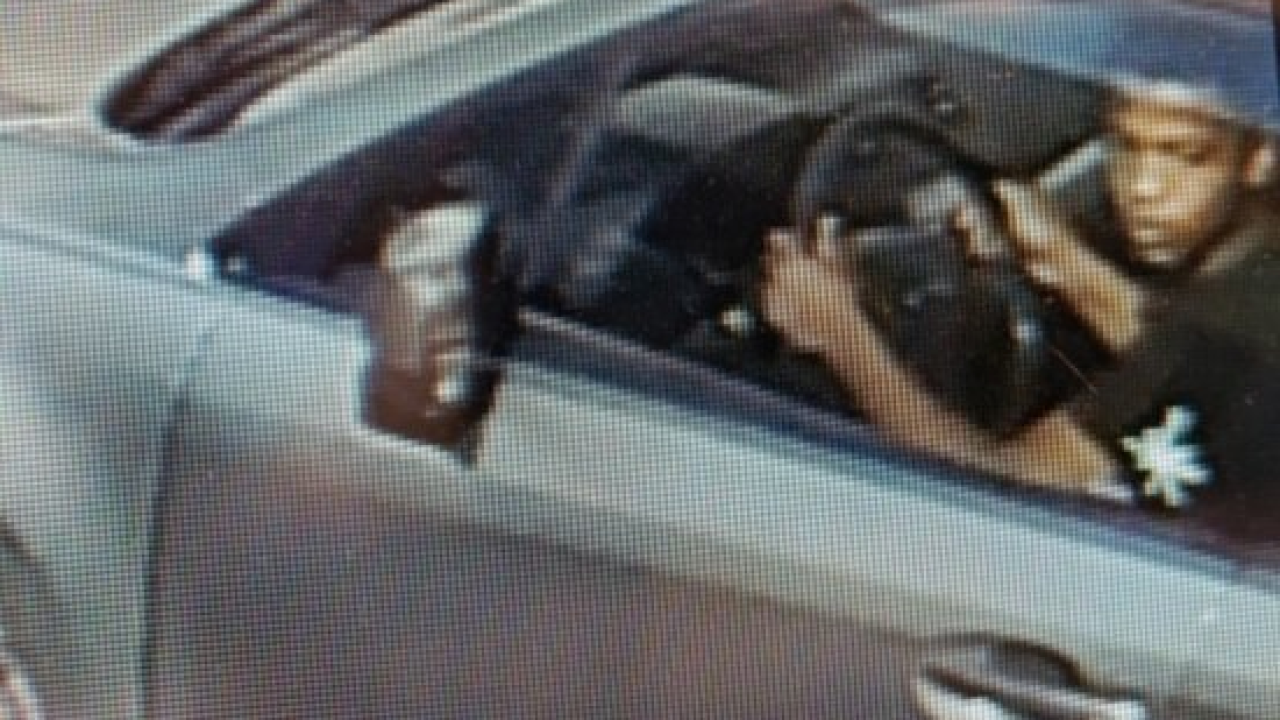 Norfolk Police looking for man who stole car with child inside