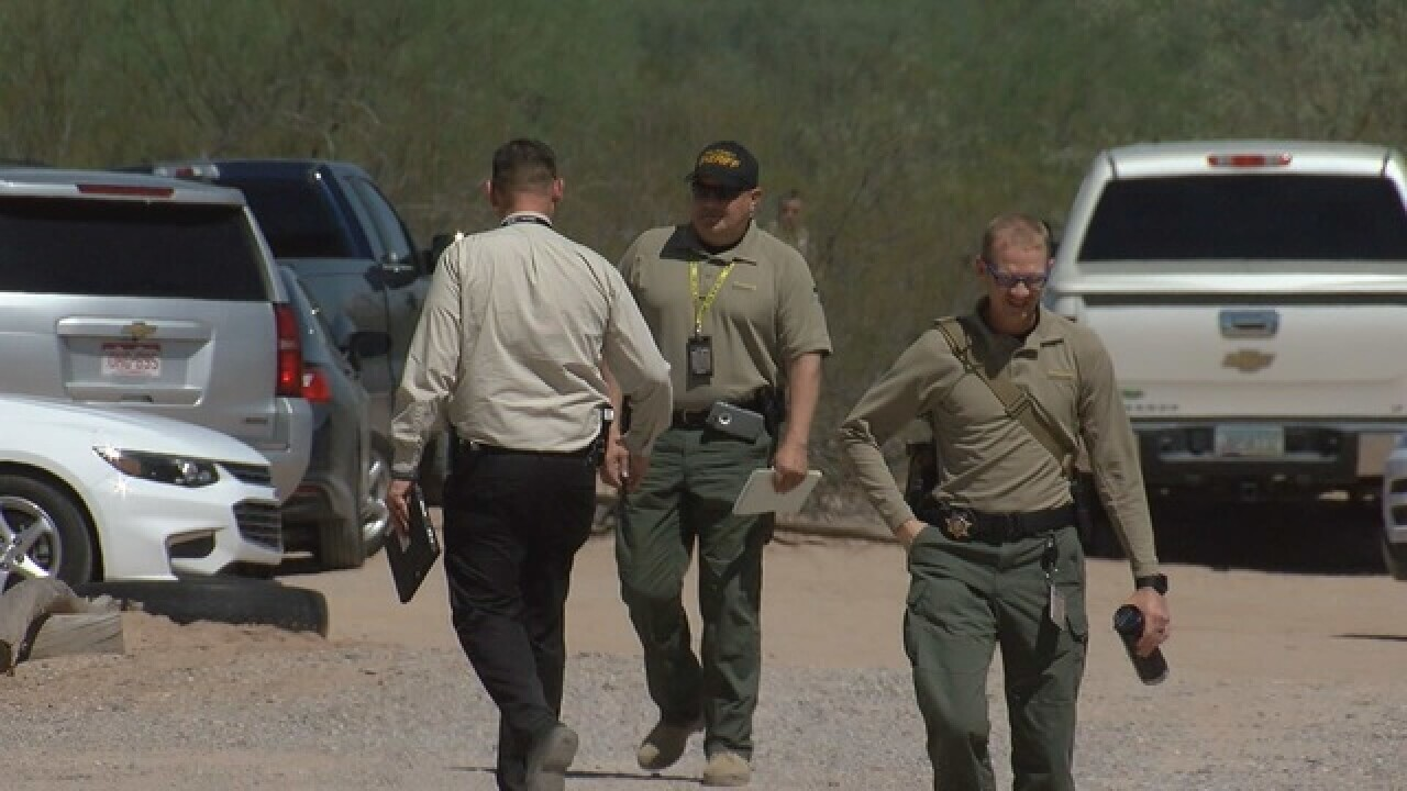 Federal agents shoot suspect in Avra Valley