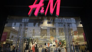 H&M to close 250 stores next year due to pandemic