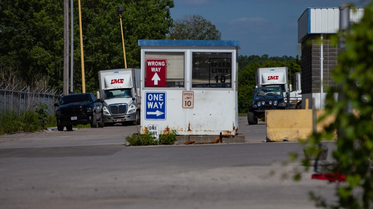 LME trucking 3.jpg