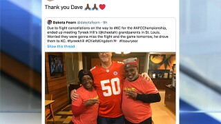 Kansas City Chiefs WR Tyreek Hill thanks fan for driving grandparents to KC