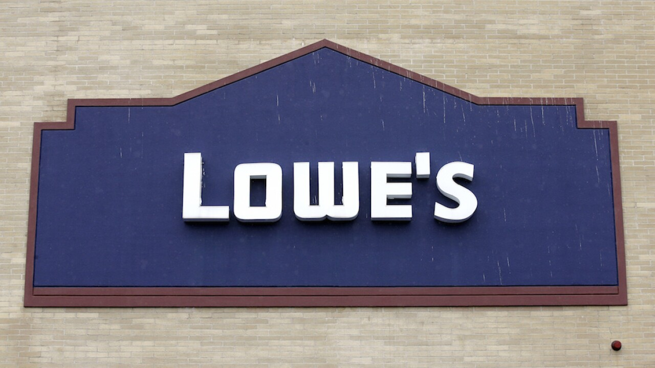 Lowe's to deliver fresh-cut Christmas trees for free this year