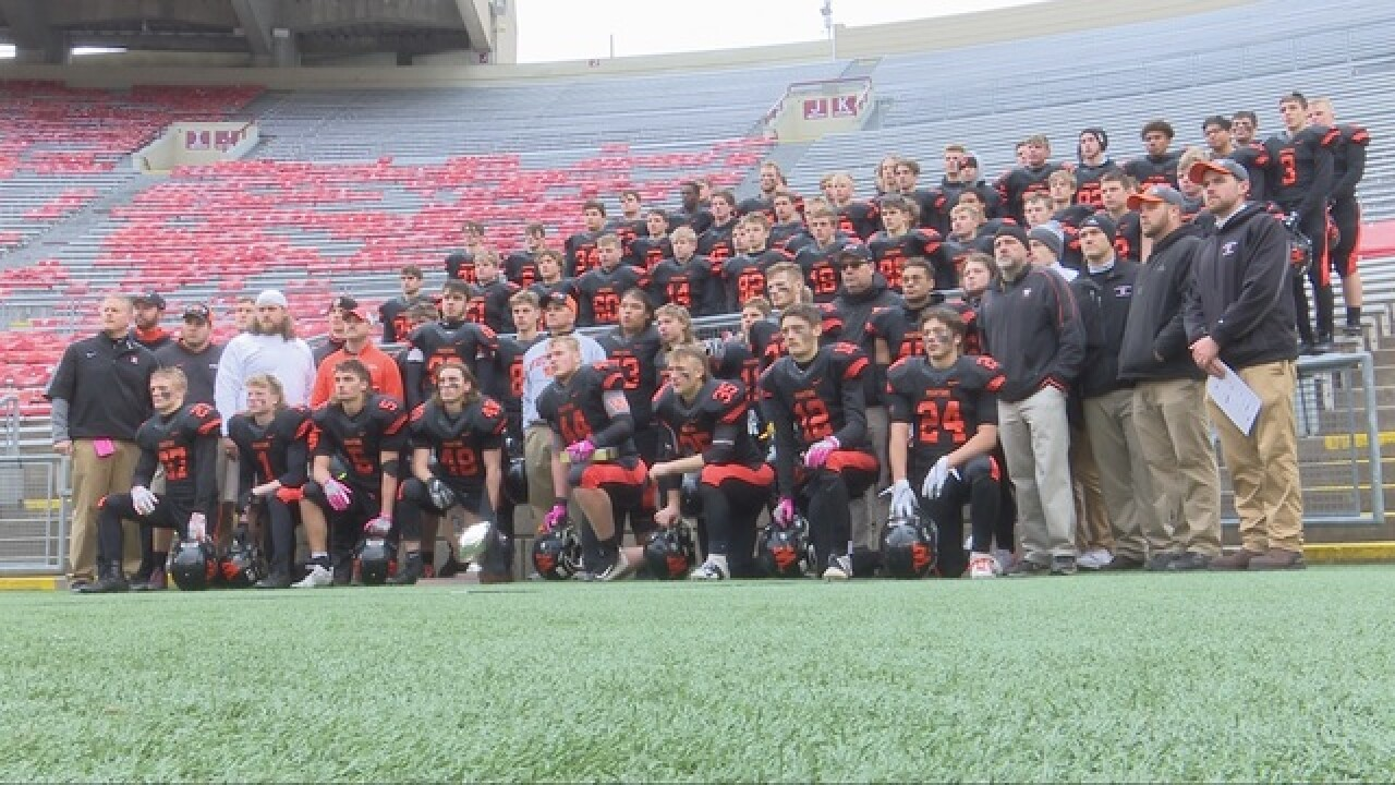 West De Pere falls in Division 3 state title game to Catholic Memorial, 37-24