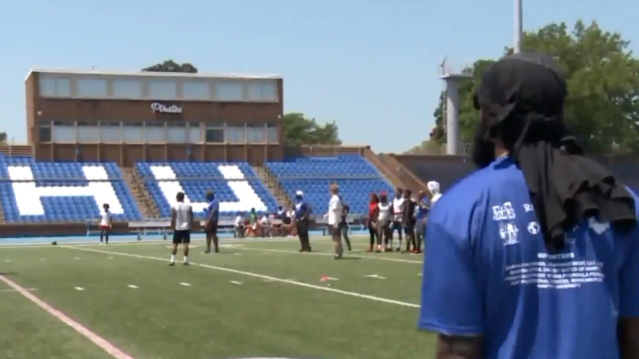 Hampton Roads Youth Foundation hosts 23rd annual Hampton Roads footballcamp