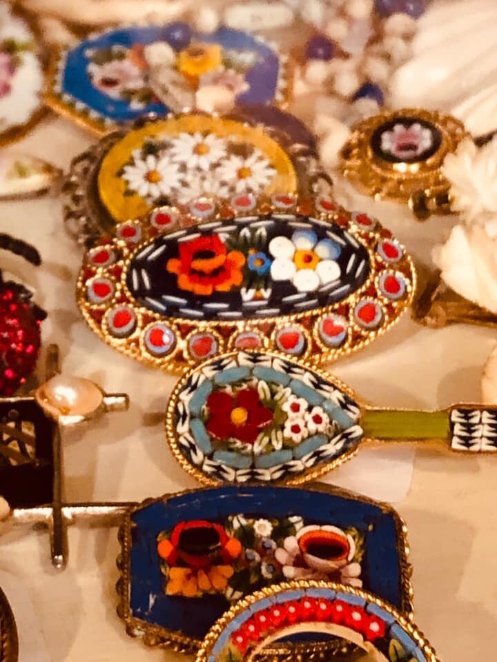 Vanessa Vintage Treasures