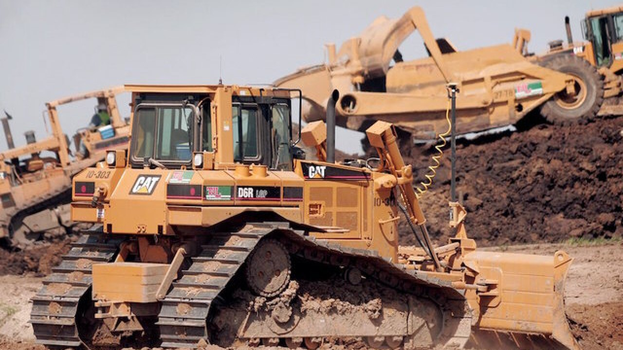 Caterpillar could cut nearly 900 jobs
