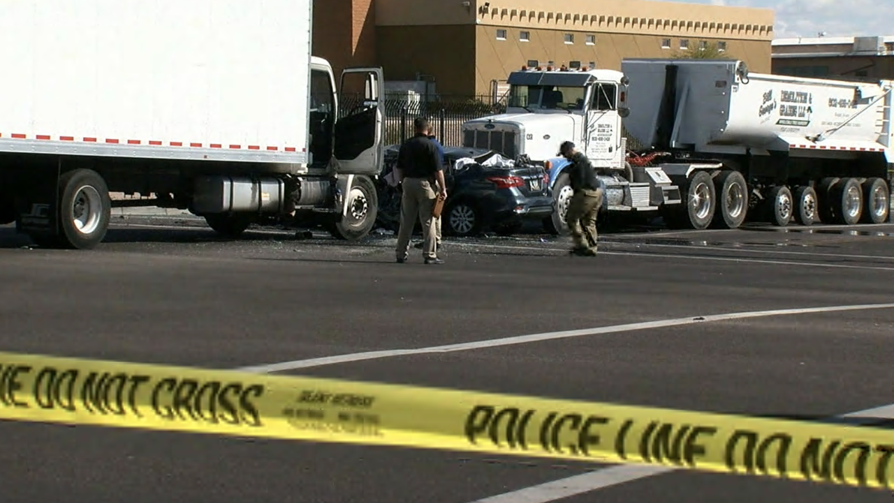 Pregnant mom and unborn child killed in crash near 52nd Street and McDowell Road