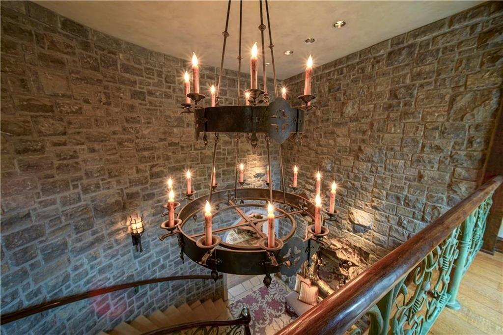 weatherby lake mansion 24