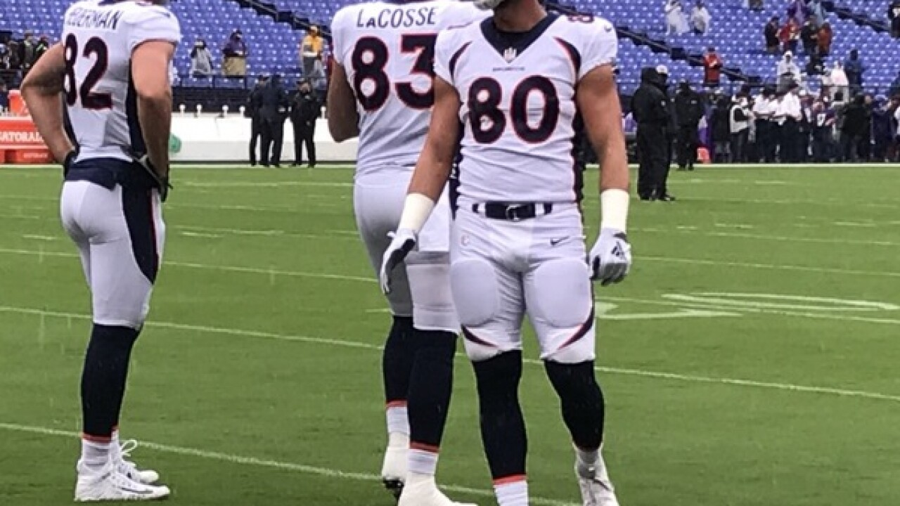 Broncos Jake Butt tears ACL in left knee, season over
