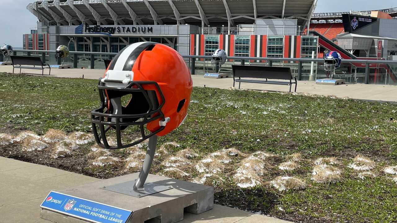 NFL Draft Giant Helmets 7.jpg