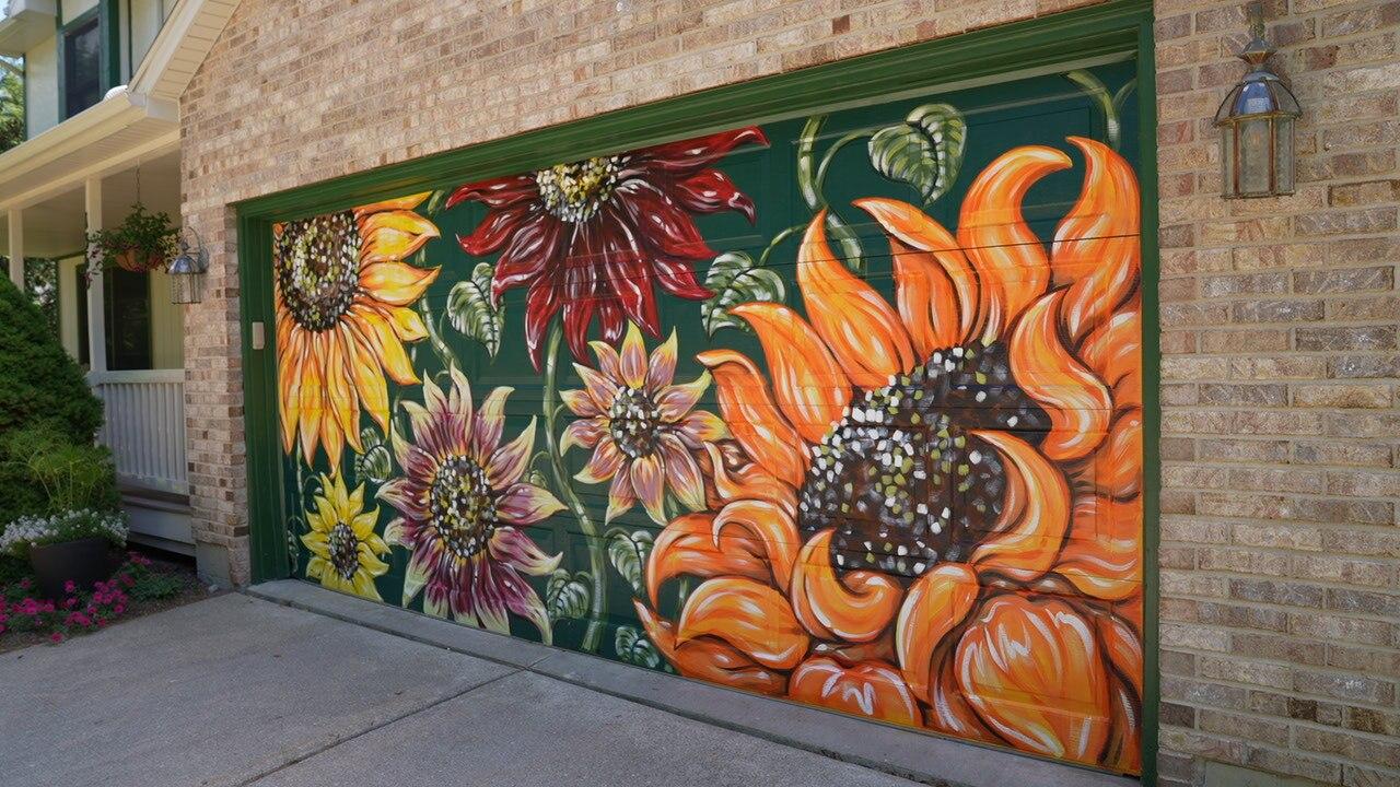 Deidre Garlock's sunflower garage door