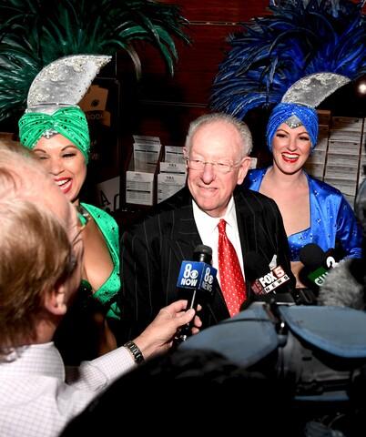PHOTOS: Former Mayor Oscar Goodman places his bet on the Super Bowl