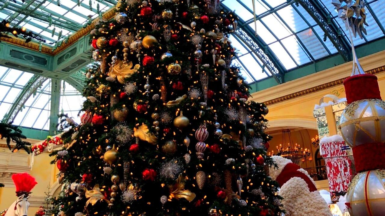 Bellagio Atrium Christmas 2020 Bellagio Conservatory & Botanical Gardens unveils 2019 holiday display