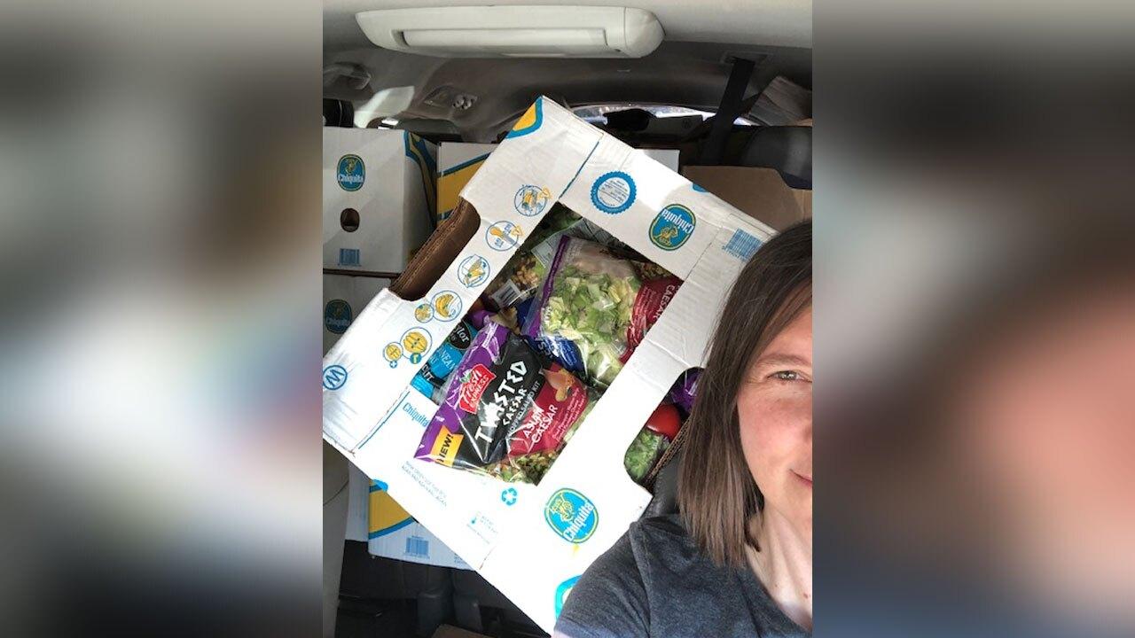 Heather-Brooke-distributes-unused-food-from-restaurants-to-people-in-need.jpg