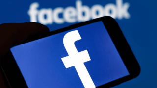 Report: Facebook shared private messages with partners