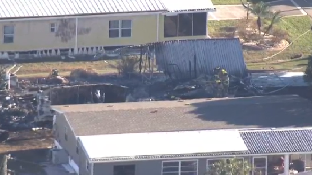 Two killed when helicopter crashes into mobile home in FL
