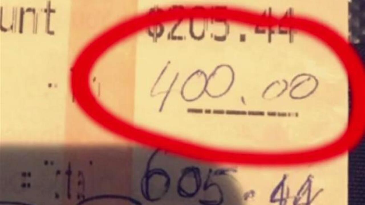 Couple leave waitress a $400 tip – and an even bigger surprise