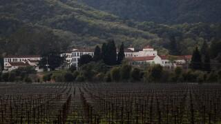 3 hostages, gunman found dead in California veterans home
