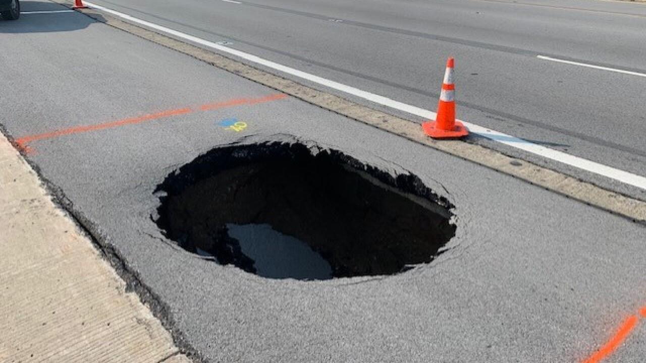 hugepothole.jpg