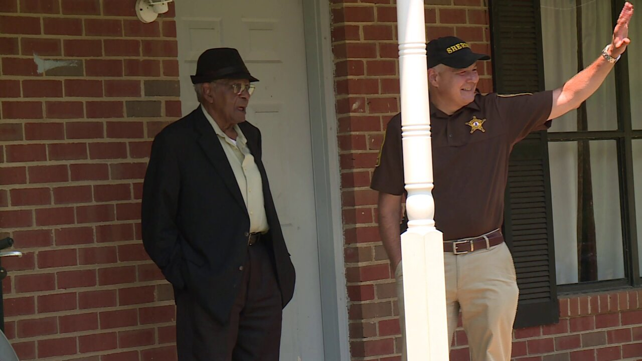 CBS 6 reporter finds missing man on front porch