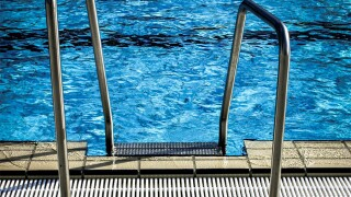 swimming_pool_rail.jpg