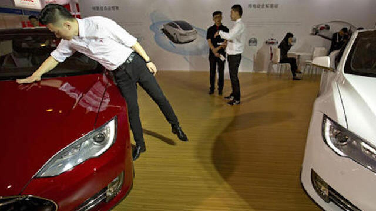 Tesla's autopilot system under scrutiny in fatal China crash