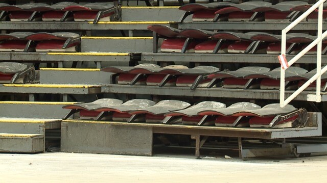 Photo gallery: Crews begin removing seats from Joe Louis Arena for sale