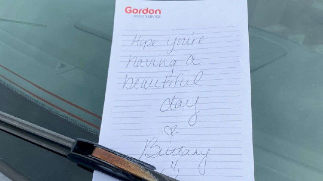 Gordon-Food-Service-sales-rep-note-on-customer's-car-windshield.jpg