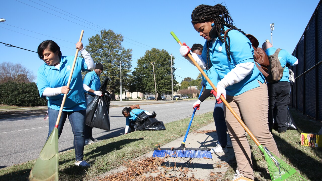 University students volunteer to clean up ODU as part of Crime Prevention Campaign