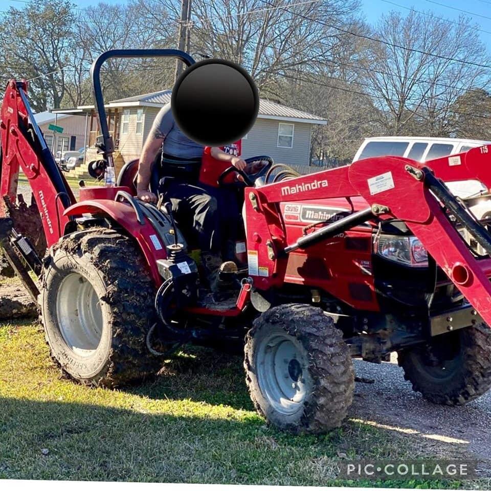 2014 Mahindra tractor.jpg