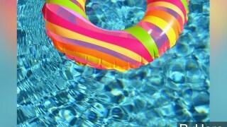 PHOTO: Pool float