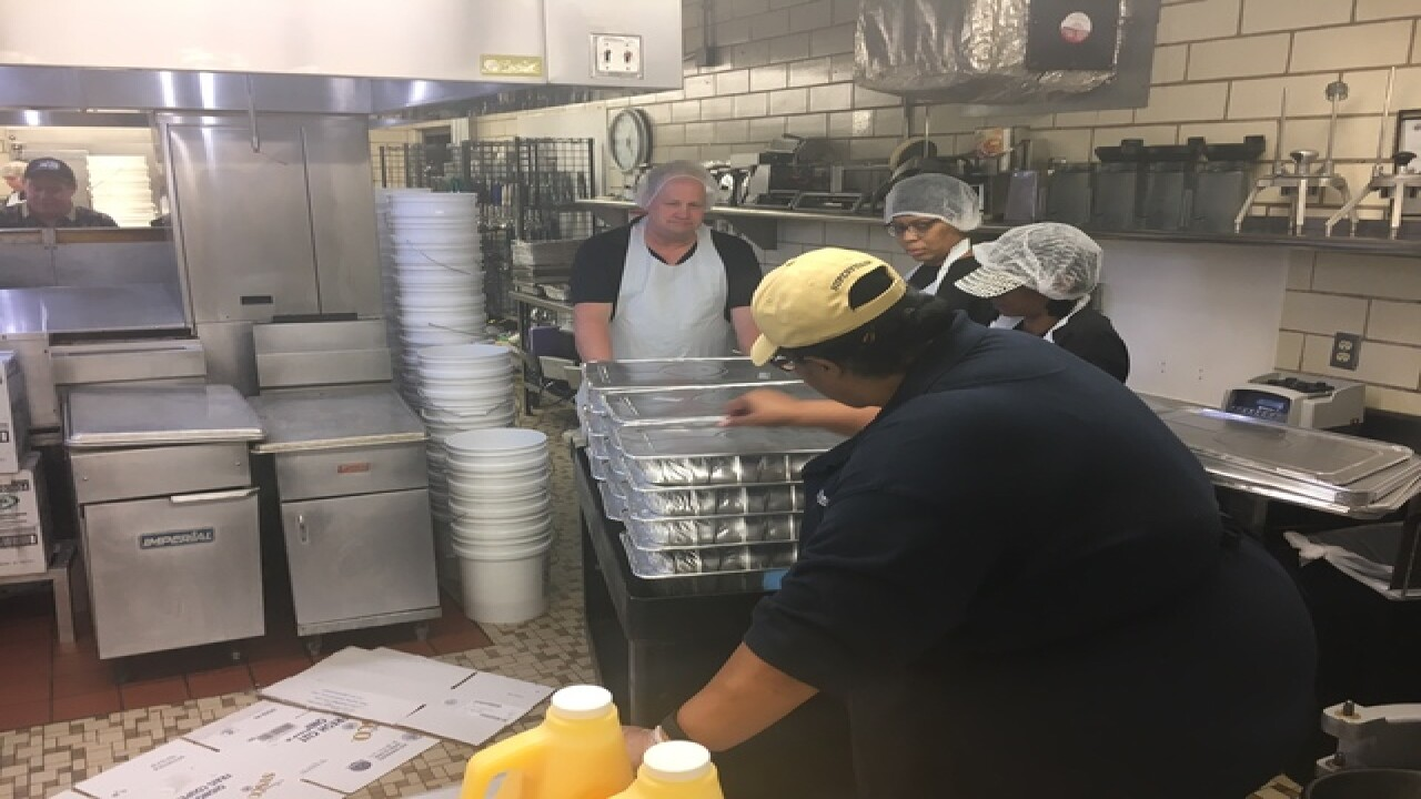 PHOTOS: Mozel Sanders Thanksgiving dinner prep