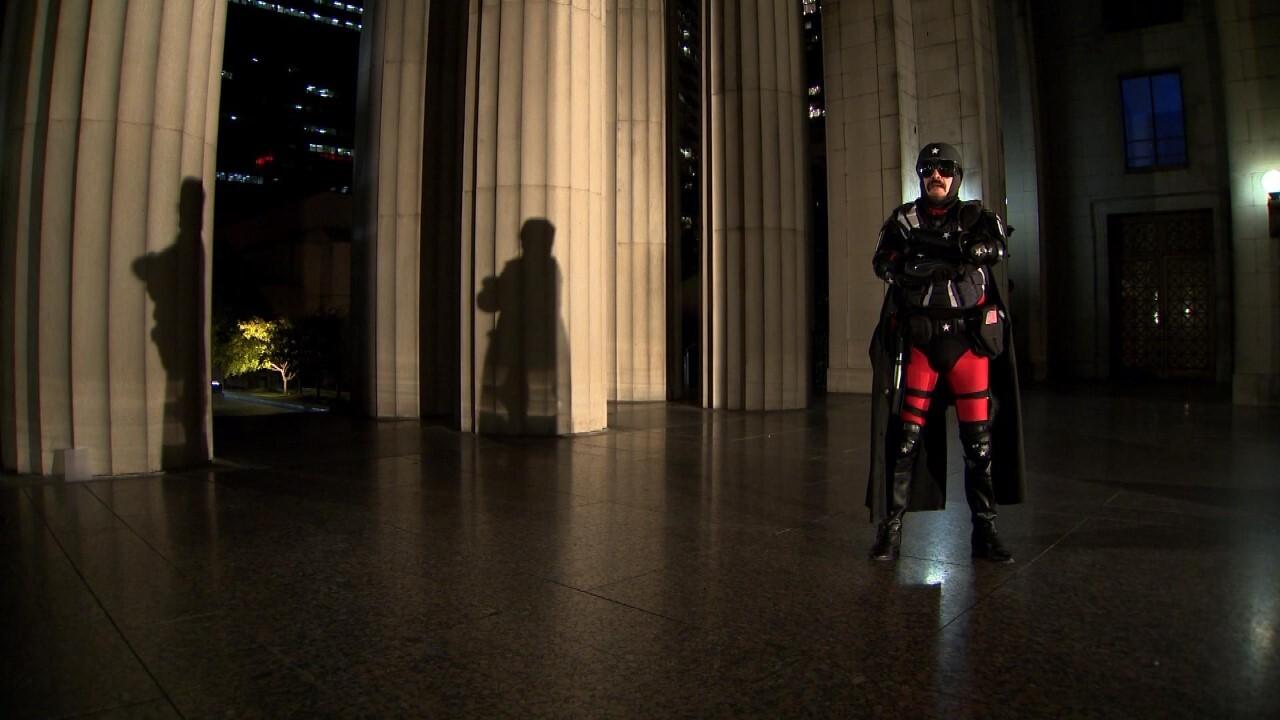 'Shadow Patriot' patrols Nashville's streets at night