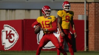 Kansas City Chiefs QB Patrick Mahomes throws in practice, August 2020