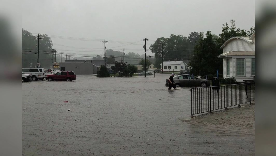 Photos: Virginia Diner reopens after heavyflooding