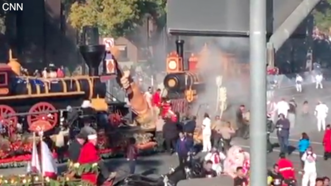 Rose Bowl Parade float catches fire