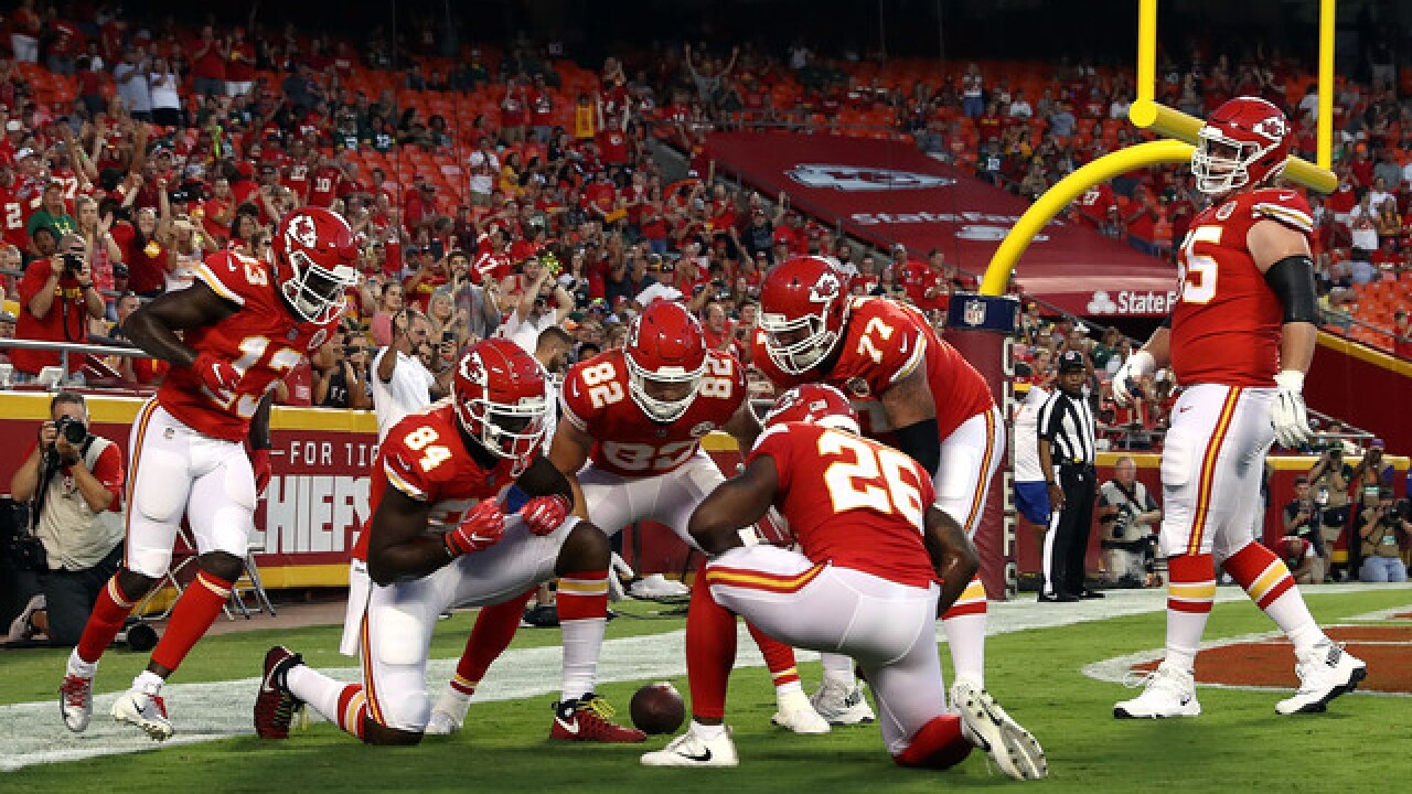 Back-ups take center stage at Arrowhead as Chiefs beat Packers 33-21