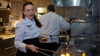 Arizona chef Lisa Dahl to appear on Food Network's 'Beat Bobby Flay'
