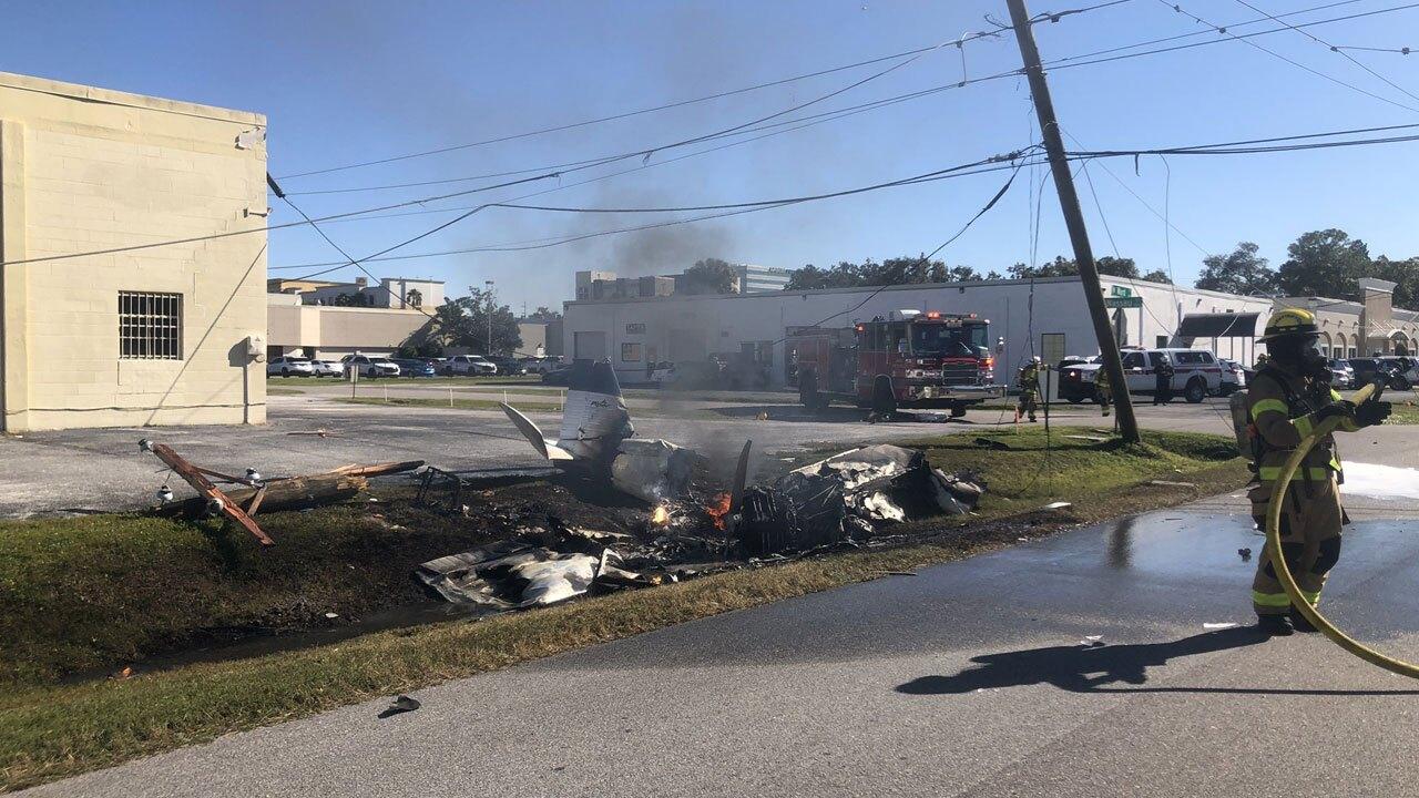 small-plane-crash-in-Tampa-12-18-20.jpg