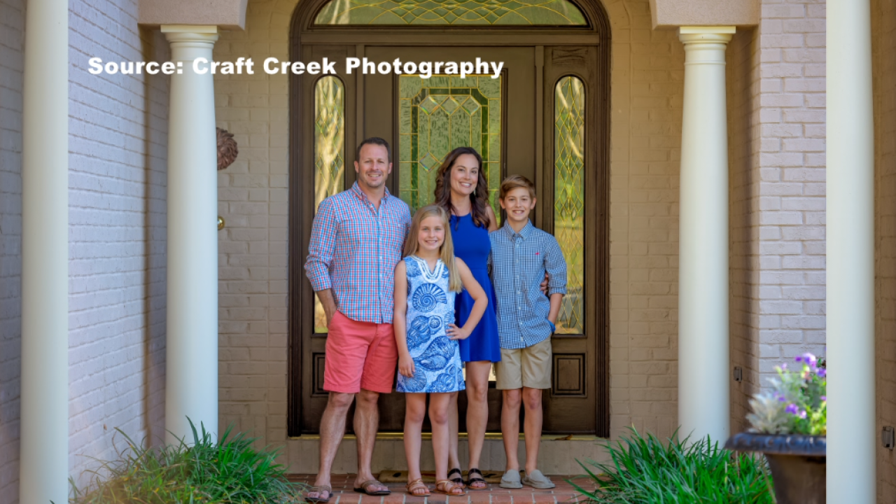 Local photographer captures family portraits while social distancing