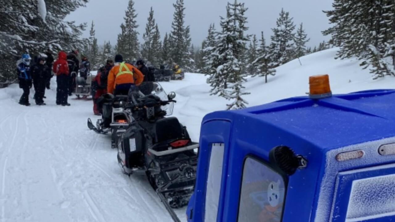 Snowmobile crash leaves 2 injured near West Yellowstone