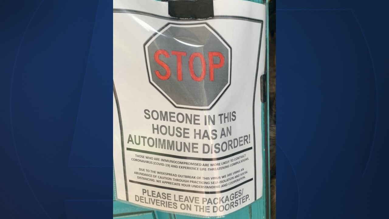 Sign on the door notifying deliveries that someone in the home has an autoimmune disorder.