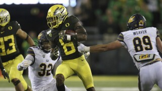 Oregon Ducks safety Jevon Holland vs. California Golden Bears in 2019