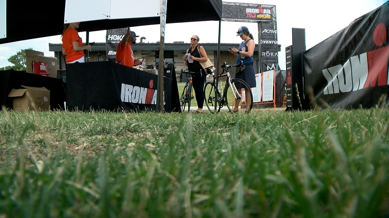 Thousands of endurance athletes prepare to compete in Boulder despite poor air quality